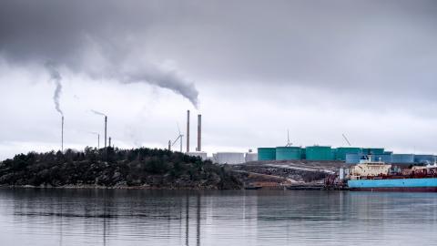 Preems raffinaderi i Lysekil. Mark- och miljööverdomstolen inleder huvudförhandling om Preems planerade utbyggnad av sitt raffinaderi i Lysekil 10 mars. Bild: Björn Larsson Rosvall/TT