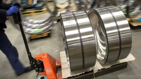 Kullagertillverkaren SKF permitterar 1 500 tjänstemän. Foto: TT