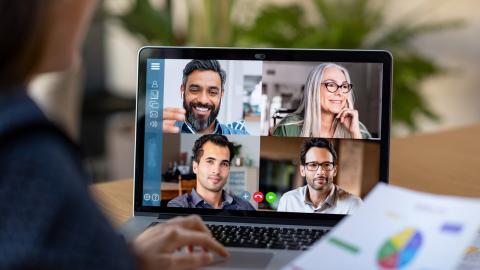 Nina Wormbs, professor i teknikhistoria, ser både för- och nackdelar med den nya digitala möteskultur som uppstått under pandemin. Bild: Shutterstock