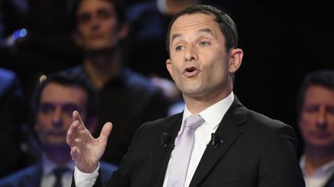 """Den här krisen blottar hur alla våra samhällen är uppbyggda på en icke hållbar modell"""", säger Benoît Hamon, tidigare presidentkandidat för det franska socialistpartiet (PS). Bilder: TT/AP"""