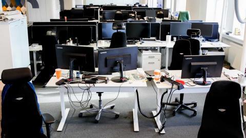 Regeringen räknar med att mer än en halv miljon svenskar kommer korttidspermitteras. Foto: Vidar Ruud/TT/NTB