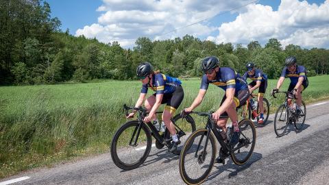 När Kungsbacka CK har introkurser för nya cyklister är fokus enbart på hur man uppför sig i klungan och hur det fungerar att cykla tillsammans. Bild: Morten Bruhn