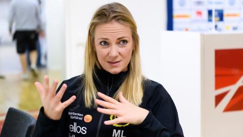 Matilda Lundblad, allsvensk lagläkare för både Elfsborg och Göteborg FC, räknar med fler skador i det höga matchtempot iårets allsvenska.  Bild: Carl Sandin/Bildbyrån