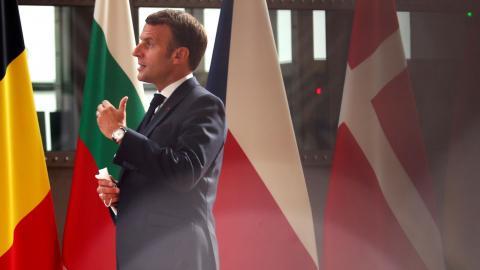 Emmanuel Macron är strateg och vill bli omvald år 2022. Den katolska högern är en viktig väljargrupp och högern är större än vänstern, säger Gérard Robert, tjänsteman i maktens korridor. Bild: Francisco Seco/AP/TT