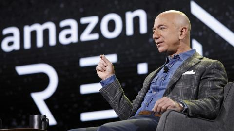 Jeff Bezos, vd på Amazon. Bild: John Locher/AP/TT