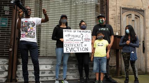 Demonstranter mot vräkningar  i New York.