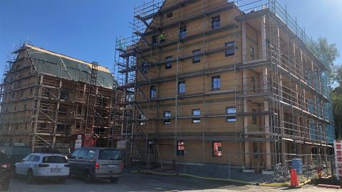 I Västerås byggs det för fullt på ETC Byggs första två hyreshus. Bild: Kent Vilhelmsson