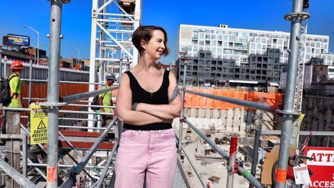 """Leslie Kern har nyligen släppt boken """"Feminist city – Claiming space in a man-made world"""", där hon analyserar våra städers brist på jämlika förutsättningar.    Bild: Mitchel Raphael"""