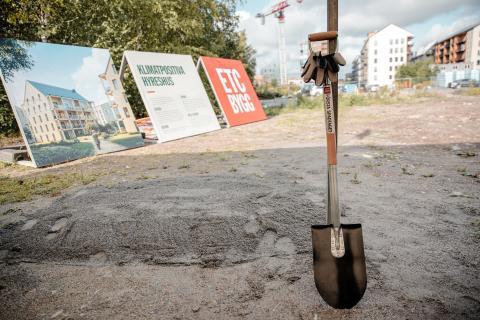 Dags för första spadtaget för ETC Bygg i Växjö. Bild: Henrik Mill/ETC