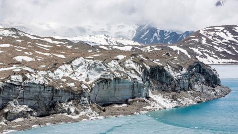 Vattennivån i flera av Nepals sjöar stiger till följd av Himalayas smältande glaciärer. Bild: Shutterstock