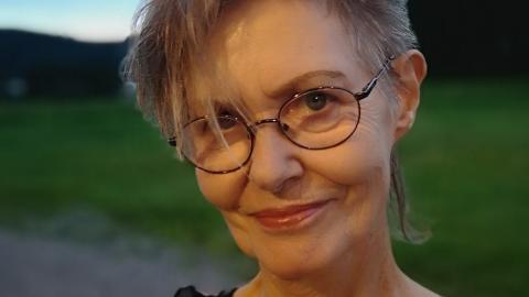 Kristín Bjarnadóttir ordförande Författarcentrum Väst som tillsammans med andra aktörer arrangerar Fönsterpoesi i Oktober.