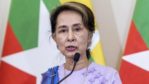 Efter flera år vid makten har Aung San Suu Kyis stjärna dalat. Bild: Zsolt Szigetvary/MTI/AP