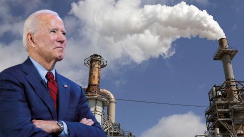 Joe Biden startade med ganska svaga klimatlöften men har under kampanjens gång blivit tvungen att skärpa sina krav.  Bild: Andrew Harnik/AP / Elizabeth Conley/Houston Chronicle/AP