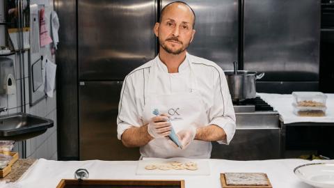 Stefano Catenacci är en av Sveriges mest kända kockar och har bland annat ansvarat för maten på prinsessbröllopen. Bild: Renée Kemps/Press, Nobis