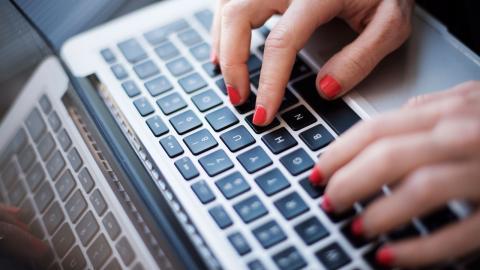 Anställningstrygghet saknas för  de som jobbar med att skriva SEO-  texter för sökmotorsoptimering, skriver debattören. Bild: Izabelle Nordfjell/TT