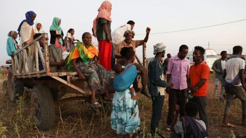 Tusentals har flytt från striderna i Tigray. Bild: Marwan Ali/TT/AP