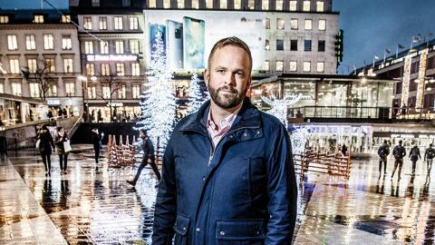 """""""Med ett förstärkt kulturstöd på tio miljoner kronor vill vi ge utvecklingskraft åt kulturlivet samt hindra att den kulturella infrastrukturen i form av scener och samlingslokaler försvinner"""", skriver Stockholms kulturborgarråd Jonas Naddebo."""