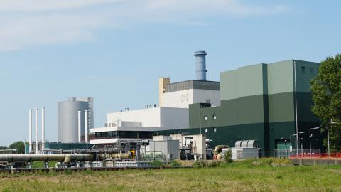 Vattenfalls två fossilgaseldade kraftvärmeverk i Diemen, Diemen 33 och 34. Bild: Shutterstock