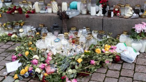 Minnesplats i Uddevalla för mördade Wilma Andersson. Bild: TT/Thomas Johansson