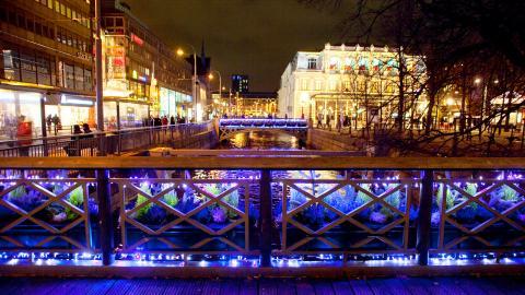 Göteborgs ungdomskör kommer fortfarande glida fram på Paddan längst vallgraven och sjunga julsånger.  Bild: Beatrice Törnros/Göteborg & Co