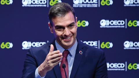 Spaniens premiärminister Pedro Sánchez menar att nationer behöver samarbeta mer, då med målsättningen att jämna ut förutsättningarna mellan sig, snarare än att bara fokusera på egen ekonomisk utveckling.  Bild: Martin Bureau/AP