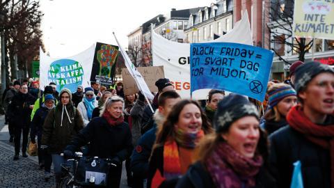 Vi måste hjälpas åt att förankra det faktum att klimatpolitiska lösningar inte kommer från de etablerade, skriver debattören.  Bild: Thomas Johansson/TT