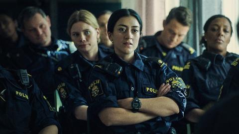 """SVT-serien """"Tunna blå linjen"""", som handlar om en grupp poliser i Malmö, har premiär på söndag. På bilden syns bland annat Sara (Amanda Jansson), Leah (Gizem Erdogan) och Faye (Anna Sise).  Bild: Linus Eklund/Anagram"""