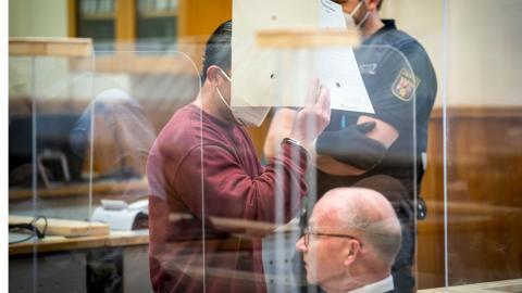 Den åtalade före detta säkerhetstjänstmedlemmen Eyad al-Gharib dömdes till fängelse i tyska Koblenz i onsdags. Bild: Thomas Lohnes