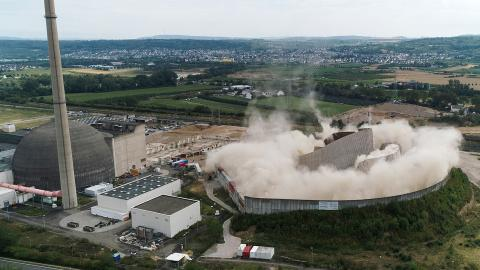 Kärnkraftverkehet Muelheim-Kaerlich i Tyskland demoleras, år 2019. Bild: Thomas Frey/AP/TT