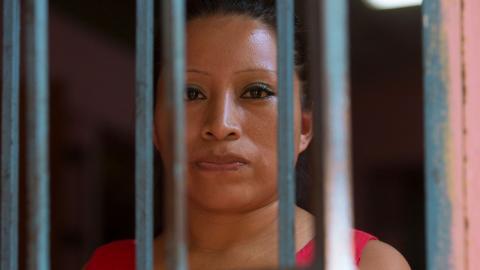 Teodora del Carmen Vásquez dömdes till 30 års fängelse efter att ha fått ett missfall. Bild: Amnesty international