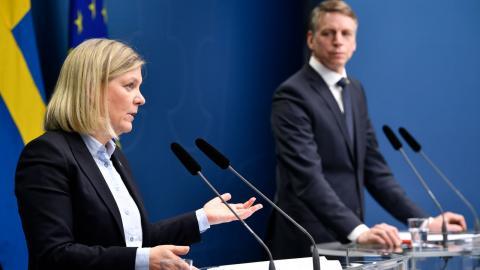 """Uttrycket """"det sticker i ögonen"""" har använts av både finansminister Magdalena Andersson (S) och finansmarknadsminister Per Bolund (MP). Detta uttryck är en relik från ett samhälle där det fortfarande fanns förhoppningar om solidaritet, skriver debattören. Bild: Henrik Montgomery/TT"""