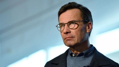 Är Ulf Kristersson beredd att låta alla sina förslag nagelfaras och godkännas av Sverigedemokraterna? undrar debattören. Bild: Anders Wiklund/TT