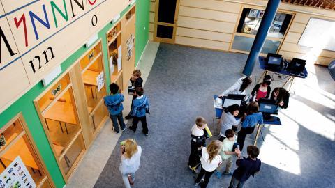 I höst kommer eleverna i i årskurs fyra i Internationella engelska skolan få betyg – trots att        lärarna säger nej.  Bild: Pontus Lundahl/TT