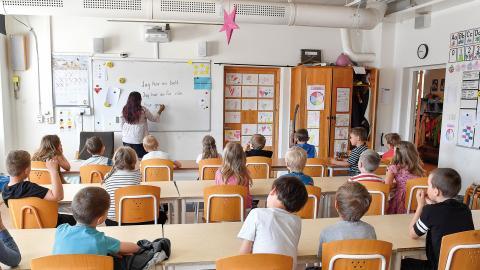 Facken har en avgörande roll för att leda skolan mot bättre villkor, men stelbenthet och oförmåga kan istället göra facken till en del av arbetsmiljöproblemet, skriver debattörerna. Bild: Jonas Ekströmer/TT