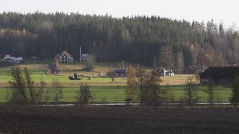 För varje dag dör landsbygden lite grann. Vad har politikerna tänkt göra åt saken?, undrar debattörerna. Fredrik Sandberg/TT