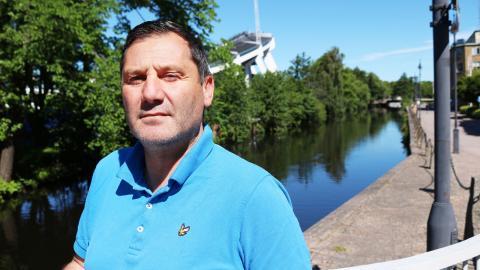Zan Jankovski, planeringsledare mot våldsbejakande extremism inom Göteborg stad.  Bild: Annelie Moran