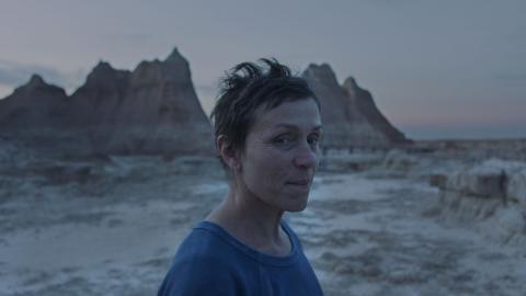 """Frances McDormand i """"Nomadland"""". Bild: searchlight pictures"""