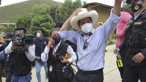 Pedro Castillo har gått till val på löften om kraftiga satsningar på utbildning och sjukvård. AP/TT