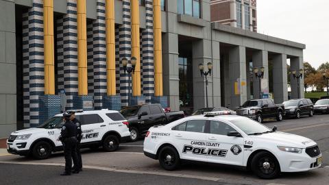 2013 lades poliskåren i den här staden ner och ersattes med en ny.  Bild: AP