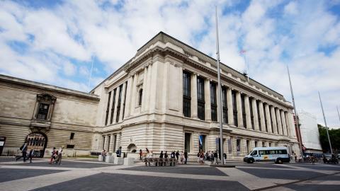 En utställning om klimatkollapsen på Science museum i London finansieras av  Shell. George Monbiot diskuterar oljebolagets bakomliggande intentioner.  Bild: Shutterstock