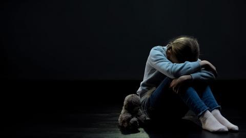 """""""Samhället måste ha nolltolerans mot att barn exploateras för sexuella ändamål. Lagstiftningen måste skärpas för att bättre skydda barn från sexuella övergrepp"""", skriver debattörerna.  Bild: Shutterstock"""