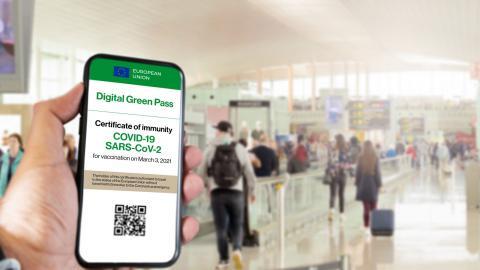 EU-förordningen om de gröna passen träder i kraft den 1 juli. Enligt socialdepartementet är det först efter det som passen kan utfärdas. Bild: Shutterstock