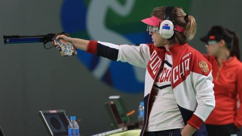 Den ryska skytten Vitalina Batsarashkina.  Bild: Getty Images