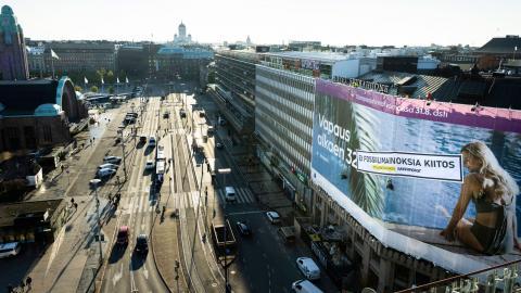 Här genomför Greenpeace sin aktion i Helsingfors. Bild: Greenpeace