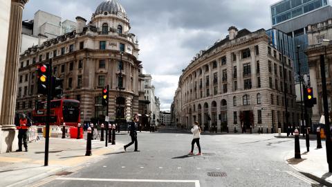 I veckan släpptes en lista på företag som betalat sina anställda mindre än minimilönen i Storbritannien. Bild: Alastair Grant/AP/TT