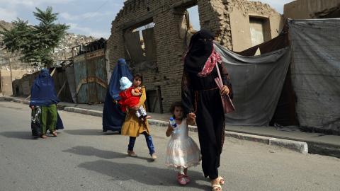 Risken är stor för ett nytt skräckvälde i Afghanistan, där kvinnors rättigheter är starkt begränsade.  Bild: Rahmat Gul/TT