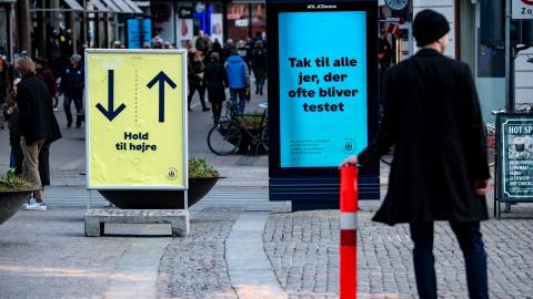 Danskarna har varit duktiga på att följa myndigheternas rekommendationer. Det kan   vara en av anledningarna till att Danmark nu slopar sina restriktioner menar experten.  Bild: Johan Nilsson/TT