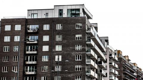 Fastighetsbranschen vill lura kommuner    att de gör dem en tjänst när de hyr ut    tidigare kommunala fastigheter till dem, menar debattören. Bilden är en genrebild.  Bild: Tomas Oneborg/SvD/TT