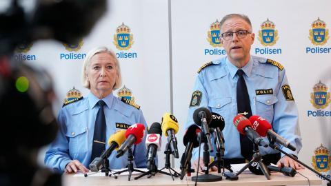 Carina Persson och Stefan Sintéus, polismyndigheten. Bild: Johan Nilsson/TT